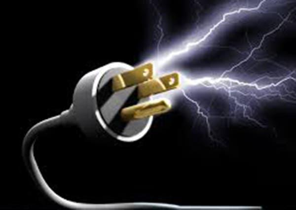 Obrero muere electrocutado en sector Los Cacicazgos