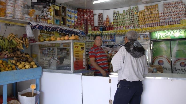 Colmado Ortiz, en la calle Francisco Villaespesa. Hoy/ Rafael Segura Imagen Digital/ 27/02/2011