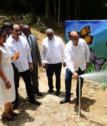 Medio Ambiente inaugura obras en La Vega
