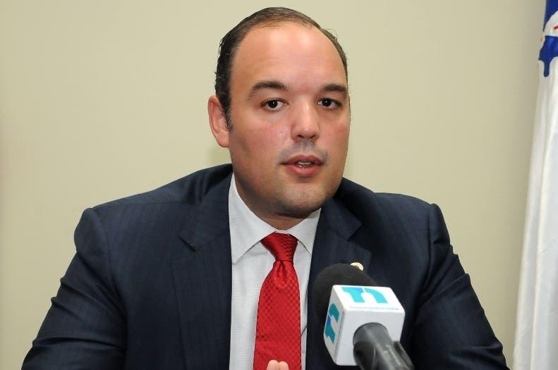 José del Castillo Saviñón, presidente del Indotel, dijo que en el país no existe la red 4.%.