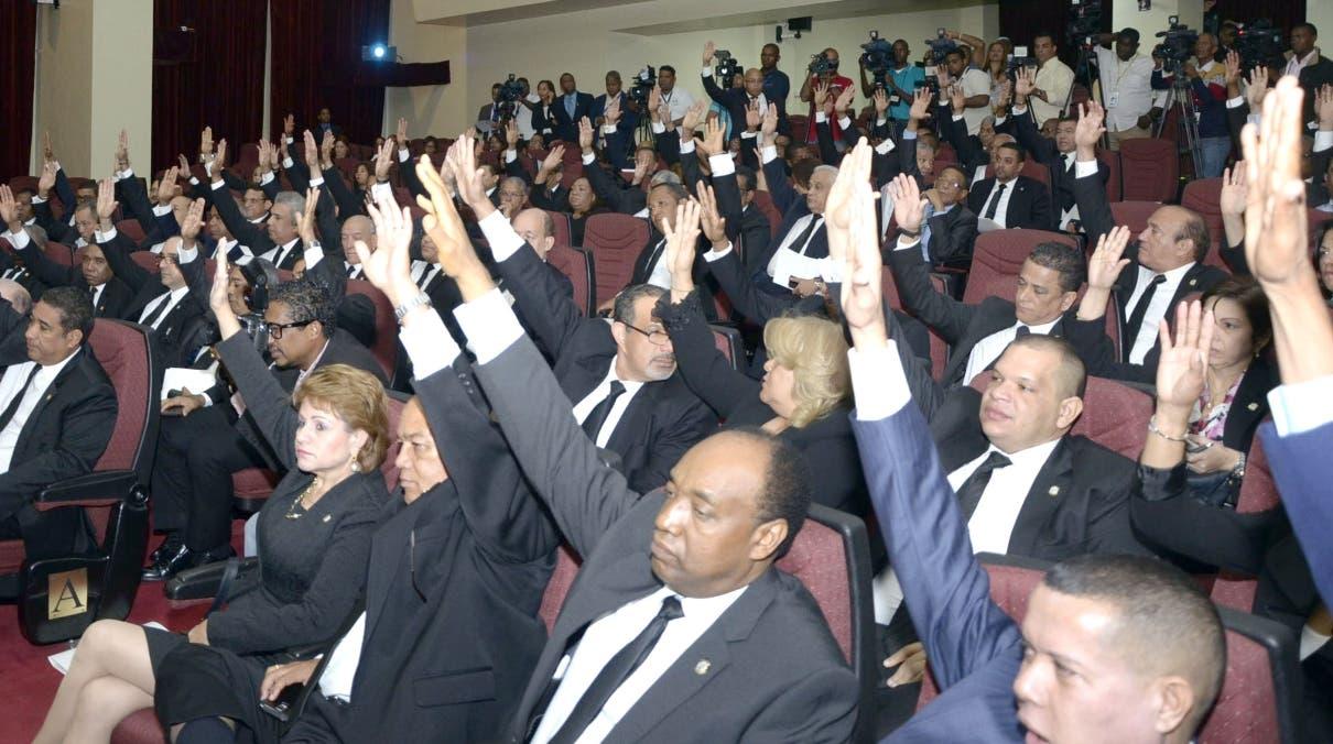Asamblea general, para proclamar a Danilo Medina y Margarita Cedeño,como presidente y vice presidente repetivamente/foto José de León