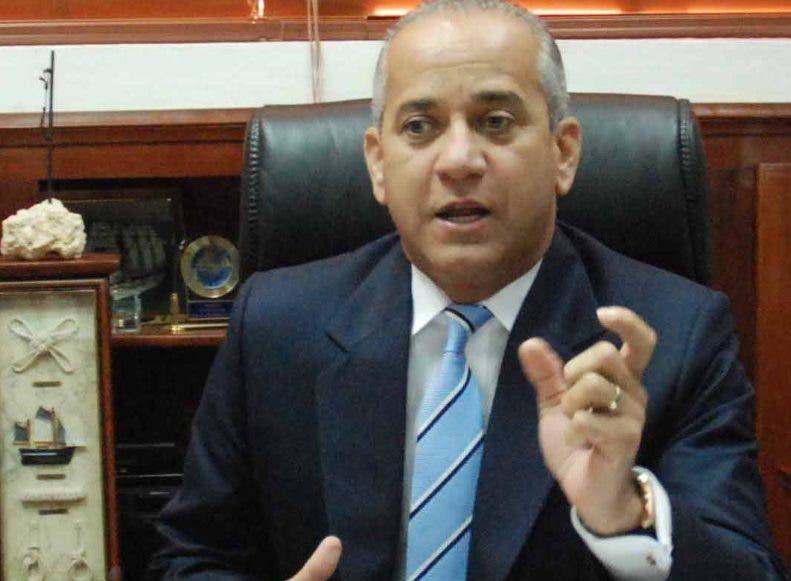 Almirante Sigfrido Pared Pérez. director del DNI.