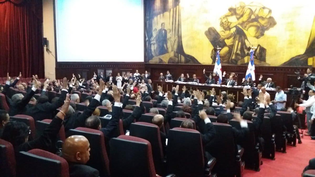 Asamblea Nacional proclama a Danilo Medina  y Margarita Cedeño