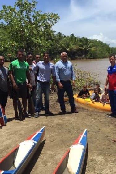 Jaime David y Marcos Díaz visitan a canotaje