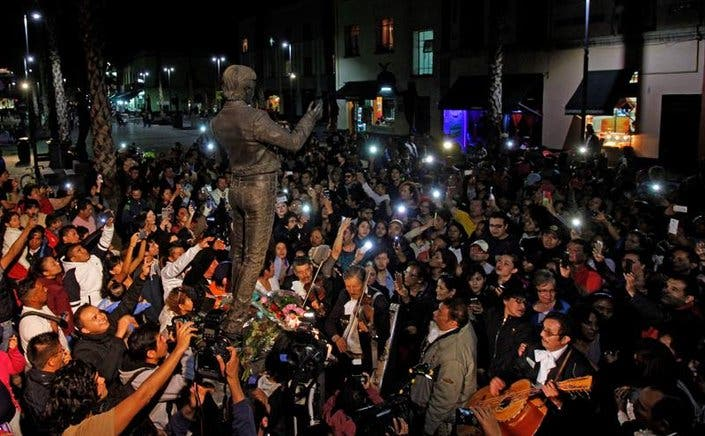 Juan Gabriel tendrá funeral privado en Juárez