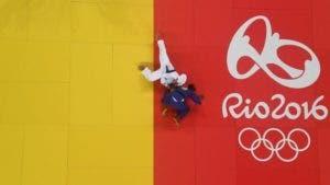 Rafaela Silva se proclamó campeona de judo femenino en la categoría de menos de 57 kilos este lunes en las Olimpiadas de Río 2016.