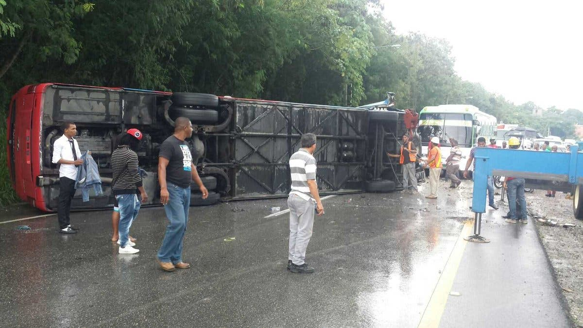 Accidente de Expresos Los Llanos en Bolívar dejó 11 fallecidos — VENEZUELA