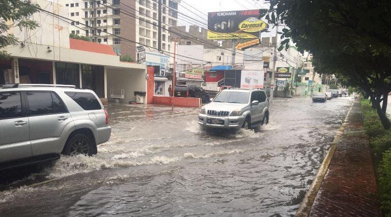 CAASD: Problema de drenaje pluvial avenida Rómulo Betancourt fue resuelto