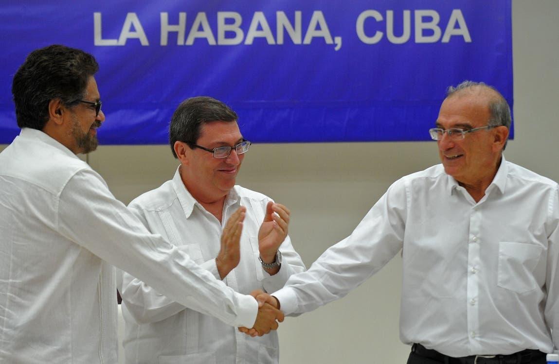 El Gobierno y las FARC rubrican el acuerdo final para la paz en Colombia