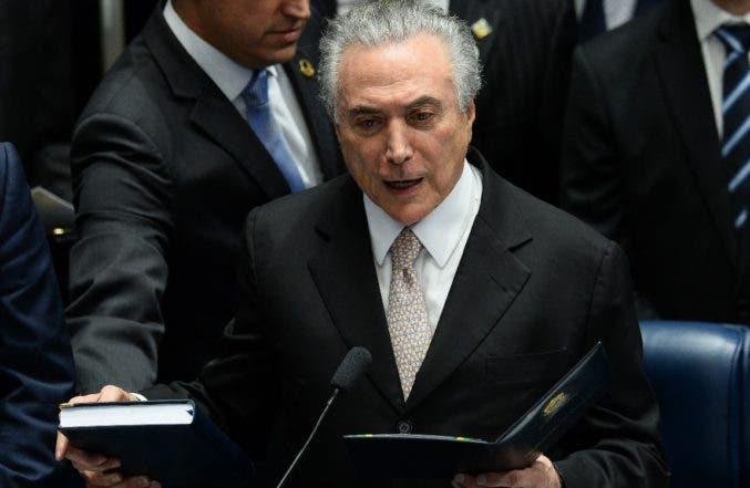 Ecuador condena destitución de Dilma Rousseff y retira a diplomático