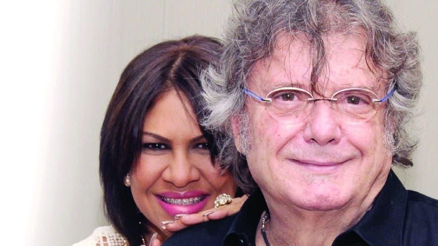 La dominicana Johanna Almánzar junto al artista español Braulio, durante una rueda de prensa. aracelis mena