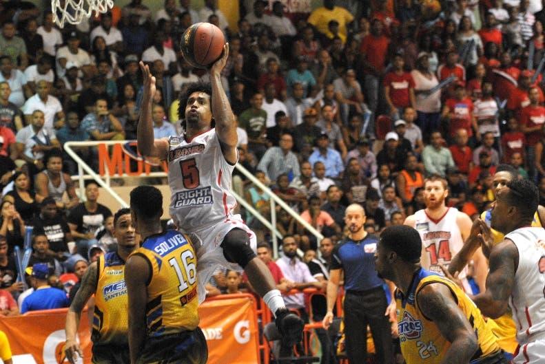 Metros y Leones van hoy tras desempate final Liga Nacional de Baloncesto