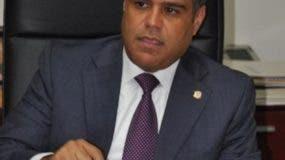 El senador Tommy Galán