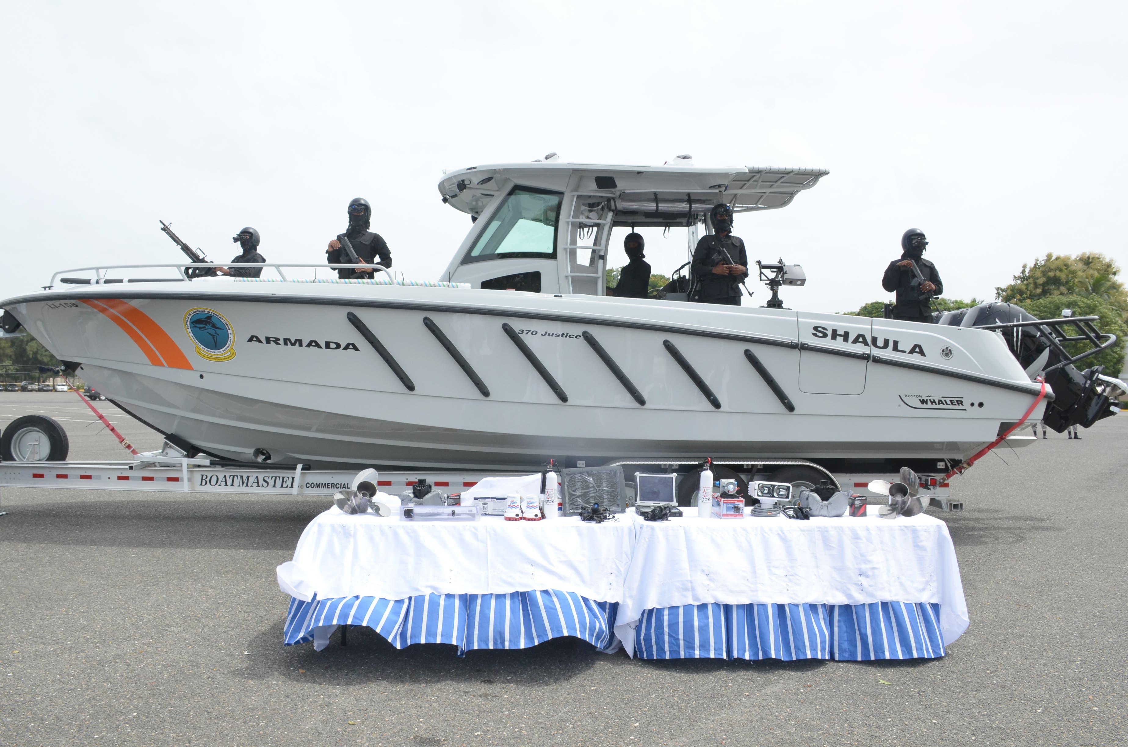 La Armada de RD recibe lancha dona por EE.UU