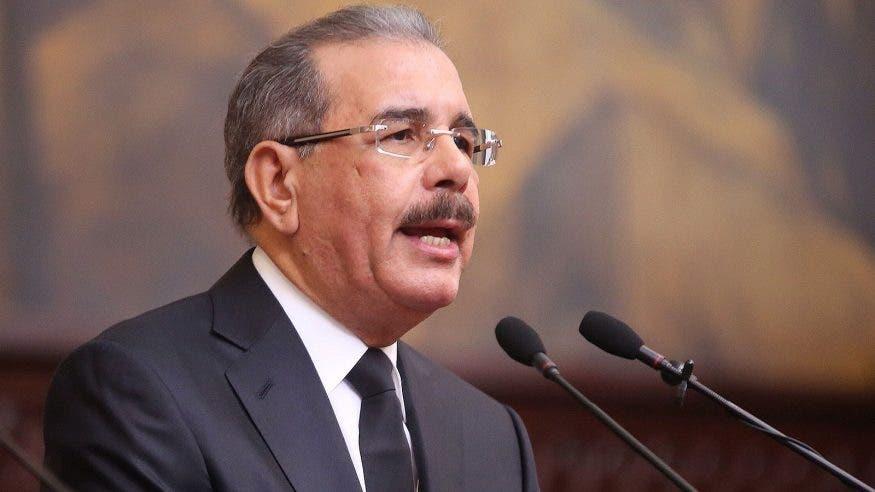 Presidente Danilo Medina felicita al maestro Rafael Solano por su Grammy especial
