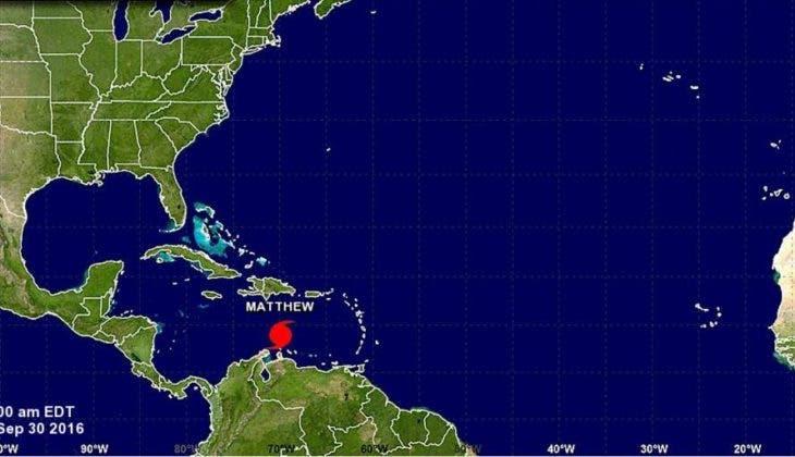Huracán Matthew  aumenta a categoría 2 y sigue moviéndose hacia el Oeste