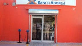 Banco ADOPEM ofrece crédito educativo en Expo Cibao 2016