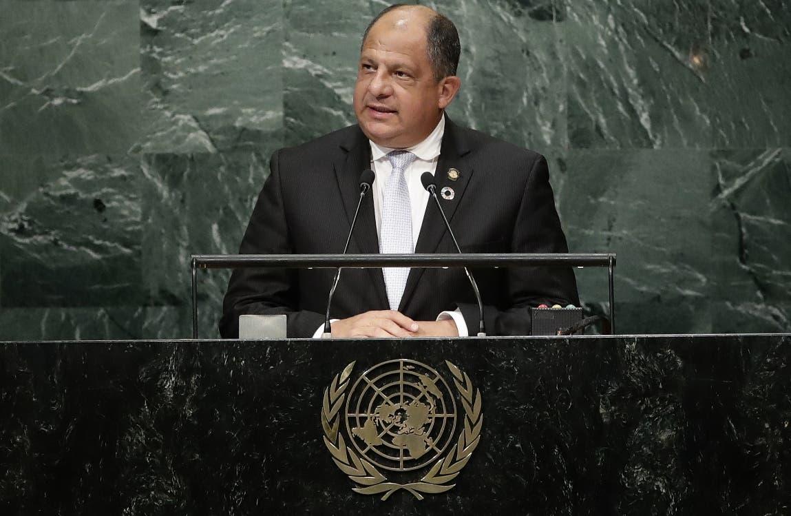 Presidente de Costa Rica pide proteger los derechos humanos de los refugiados