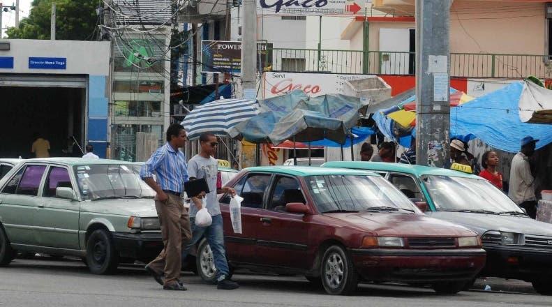 Rutas transporte en Los Alcarrizos no exigen tarjeta de vacunación