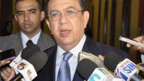 Héctor Valdez Albizu Gobernador del Banco Central