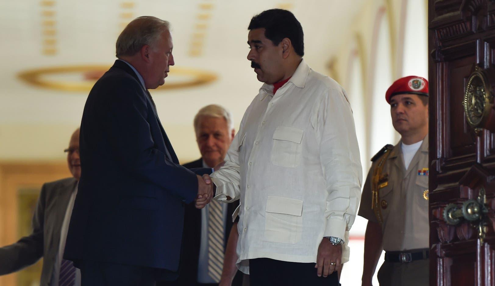 VP: Mesa de diálogo no demuestra que Maduro sea un democráta