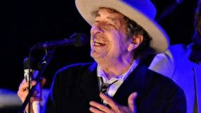 El cantautor Bob Dylan, de 75 años, nació en Duluth.