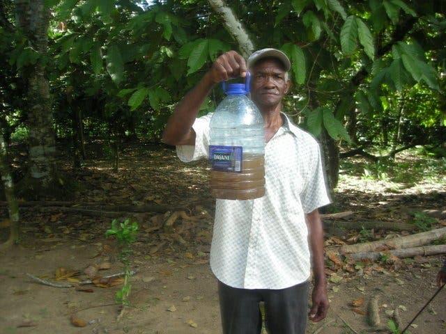 retan-a-autoridades-de-medio-ambiente-y-salud-publica-a-consumir-agua-de-rio-el-yagal