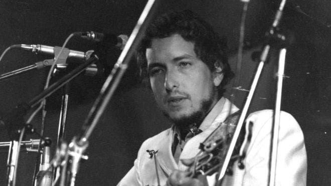 Letras de canciones de Bob Dylan que muestran la poesía por la que ganó el Nobel de Literatura