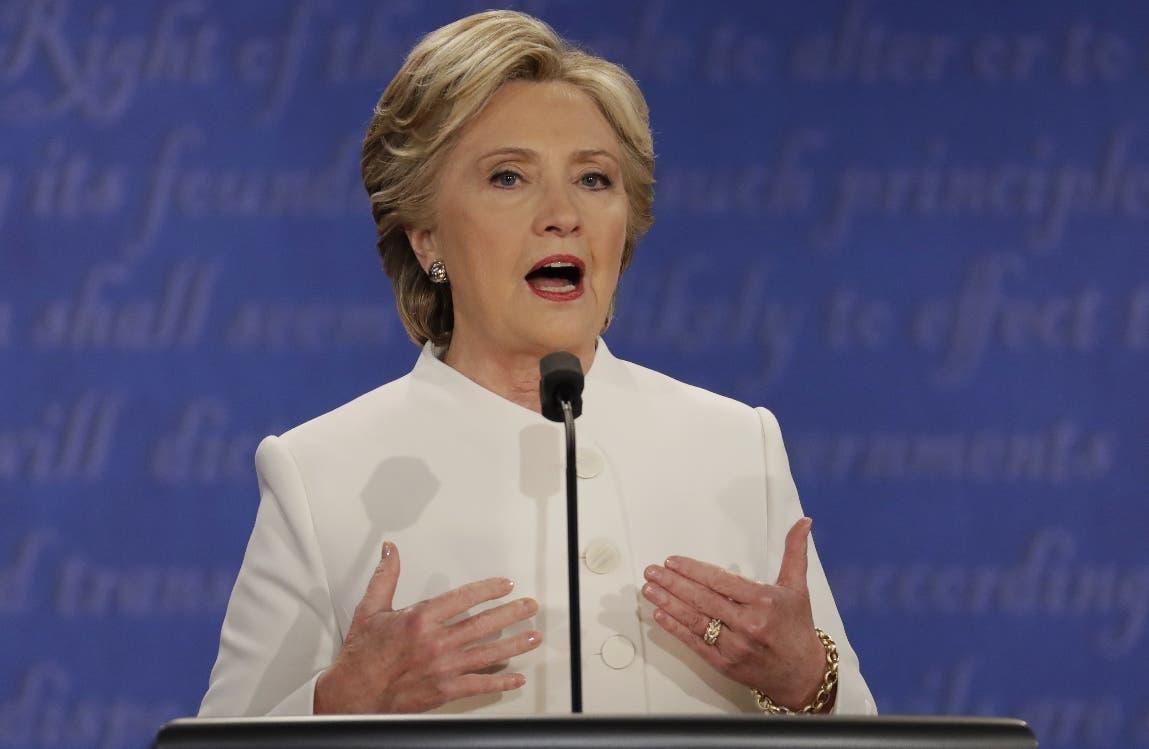 """Hillary Clinton celebra que EE.UU. haya """"repudiado"""" finalmente a Donald Trump"""