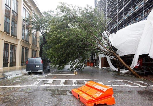 El huracán Matthew toca tierra en Carolina del Sur