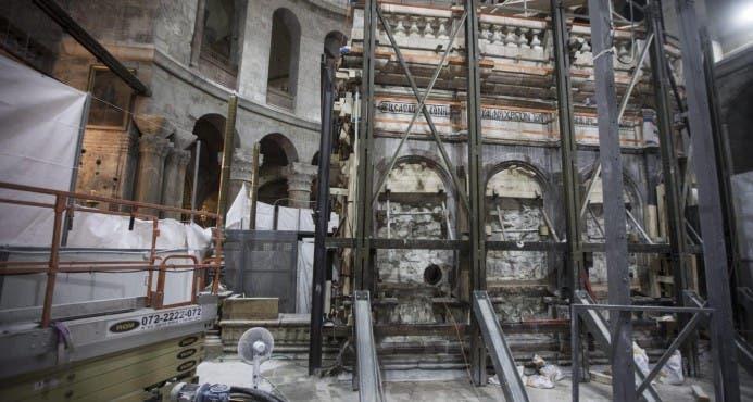 La lápida original de Jesús al descubierto por primera vez en cinco siglos