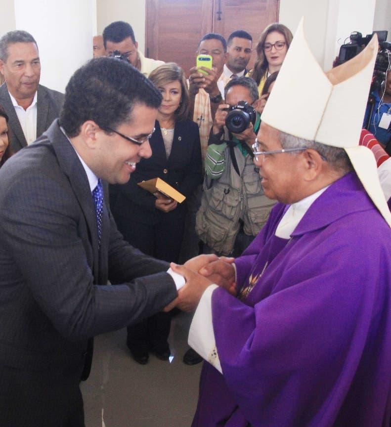 El arzobispo metropolitano, monseñor Francisco Ozoria, Realizò una misa con motivo a la celebracion del dia de los fieles difuntos. Foto: Elieser Tapia.