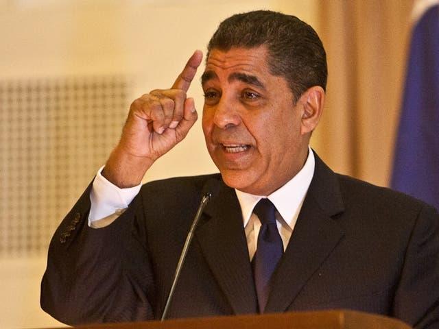 El senador Adriano Espaillat.