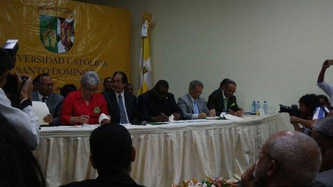 Gobierno y el Colegio Médico firmarán acuerdo hoy