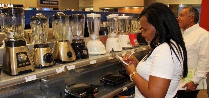 Pro Consumidor inicia operativo de verificación de precios por Black Friday