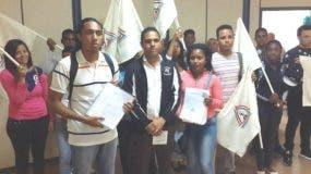 juventud-duartiana-muestran-formularios-con-matriculas-recolectadas
