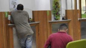 Reportaje en la Dirección General de Impuestos, sobre marbetes en la  oficina de Malecón Center.  HOY / Aracelis Mena / 29-12-15