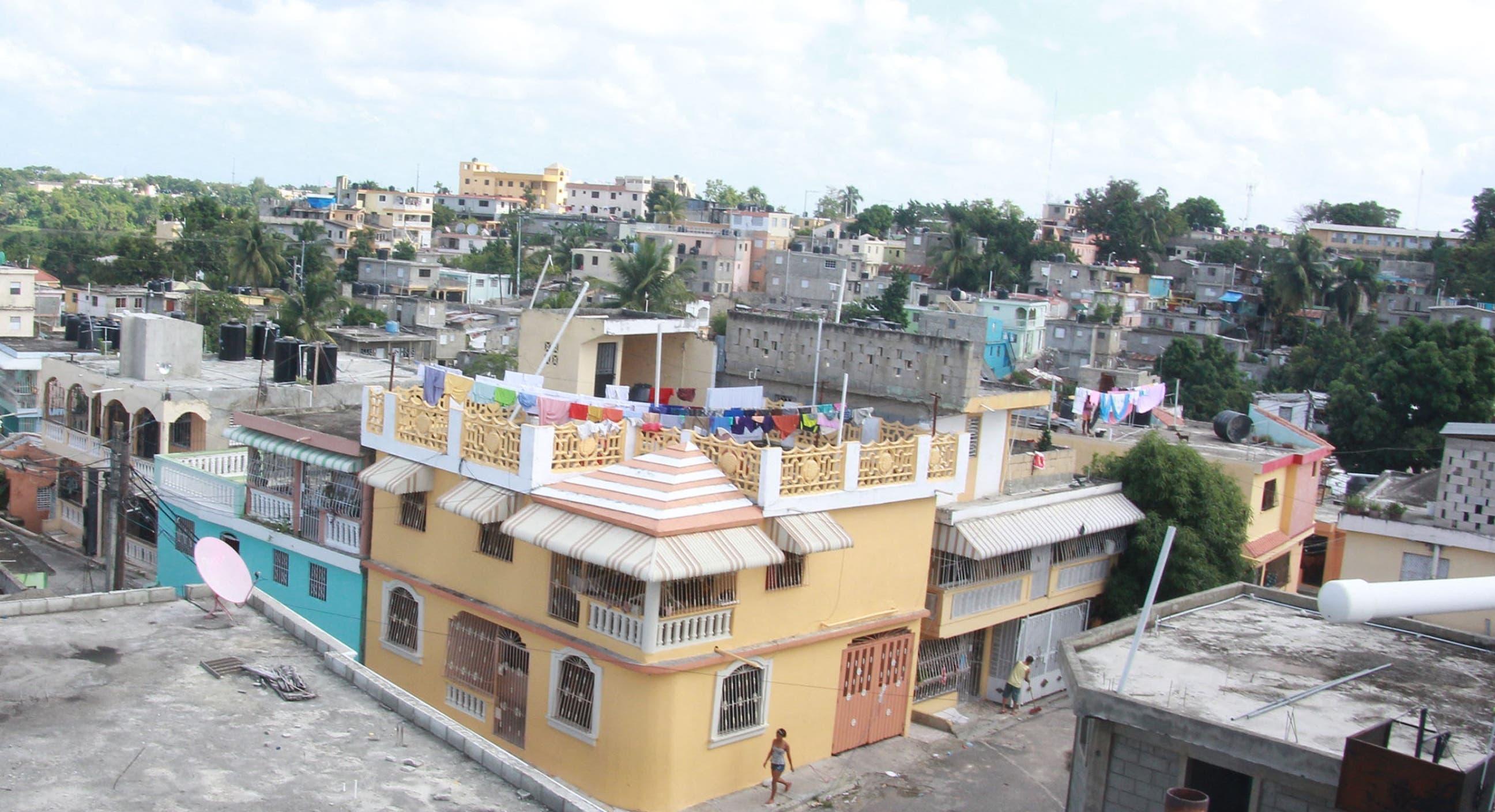 Vista del barrio Los Tres Brazos en Santo Domingo Este.