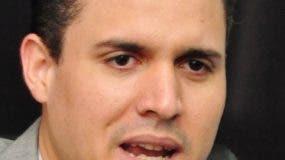 La Juventud del Partido Revolucionario Dominicano PRD  Rechazo este jueves el Intento de algunos sectores  Del País de Gravar las Compras por Internet  Menores a los 200 dólares   El Anuncio lo Izo el Presidente de la Juventud de ese partido,Jean Luis Rodríguez,  Hoy Félix de la Cruz-24-10-2013