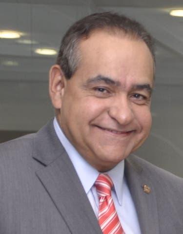 El pais.Dr.Julio Amado Castaño Guzman,Dr.Alejandro Cambiaso Firman Alianza con el  en el periodico Hoy/Pablo Matos   12-03-2014