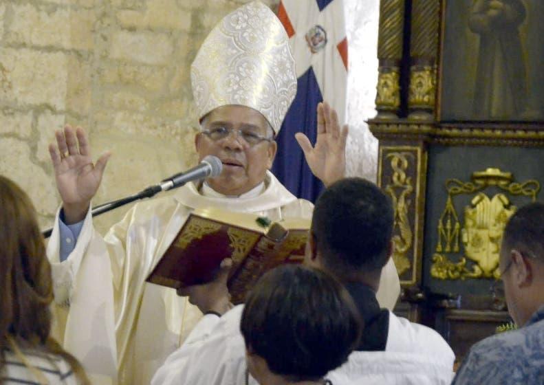 Arzobispo Francisco Ozoria.