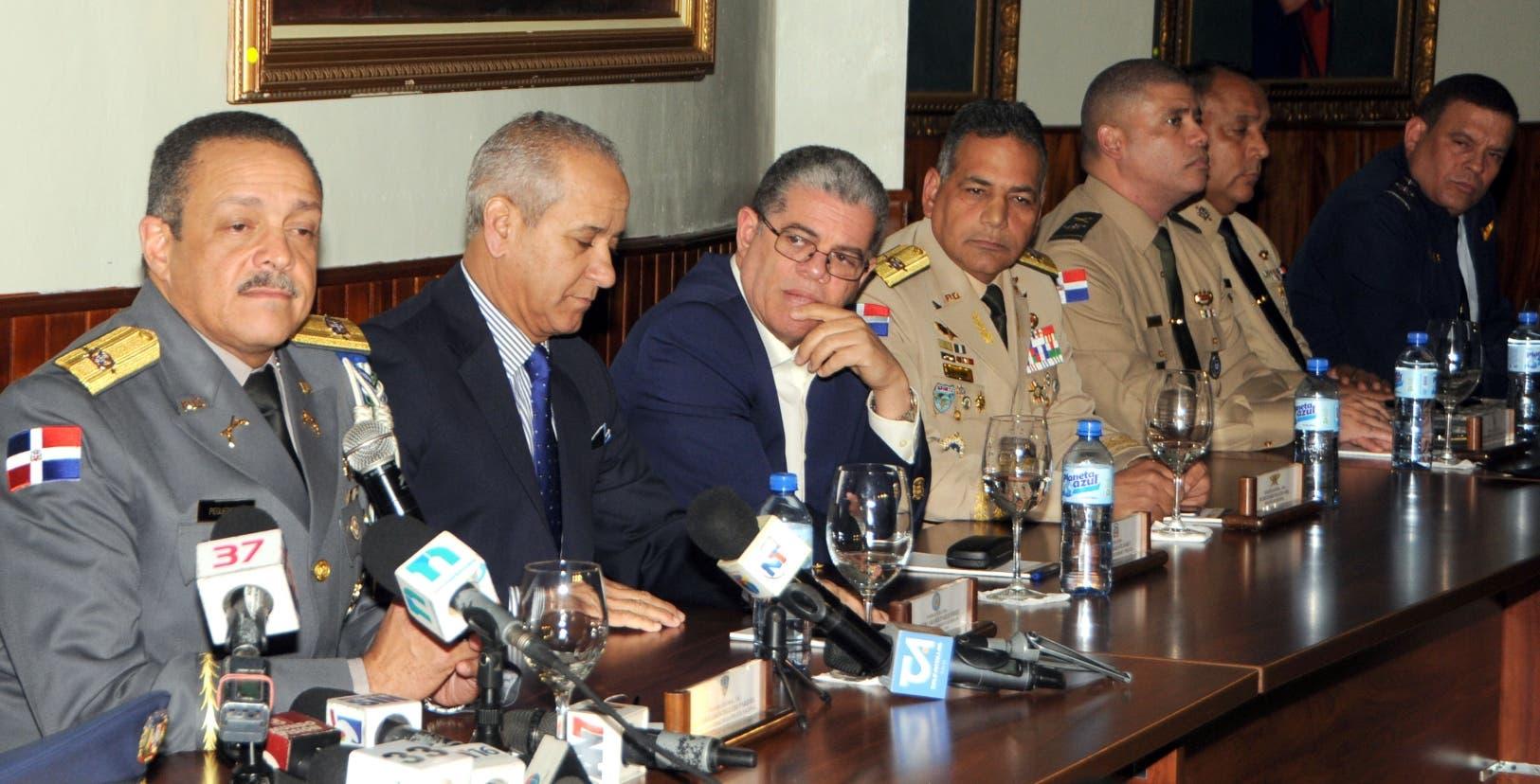 Los organismos de seguridad del Estado persiguen al exmiembro del Ejército de República Dominicana
