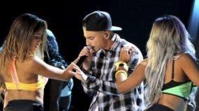 """El cantante colombiano Maluma es criticado por su """"denigrante"""" videoclip """"Cuatro babys"""""""
