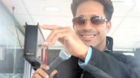 El cantante Carlos Silver,llego a su tercer dia cantando continuo en busca del record guinnes/foto Jose de Leon