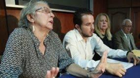 Familia Caamaño demanda clínicas por 100 millones de pesos