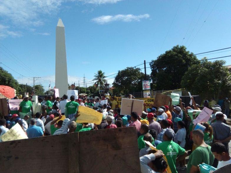Cientos de ganaderos marchan en Santiago Rodríguez en reclamo de mejores condiciones