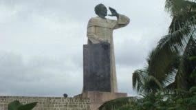 Monumento dedicado a Fray Antón de Montesinos