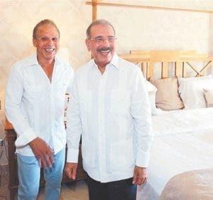 Ángel Rondón y Danilo Medina durante el lanzamiento del proyecto Riviera Azul, el 9 de agosto de 2013.