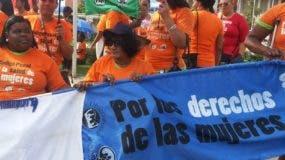 Protesta del CMD, a favor del aborto, frente al congreso. Fuente externa 10/12/2014
