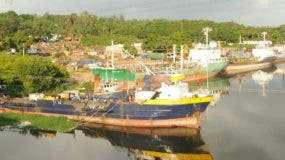 Las autoridades iniciaron el retiro de las embarcaciones en enero de este año. Foto de archivo.